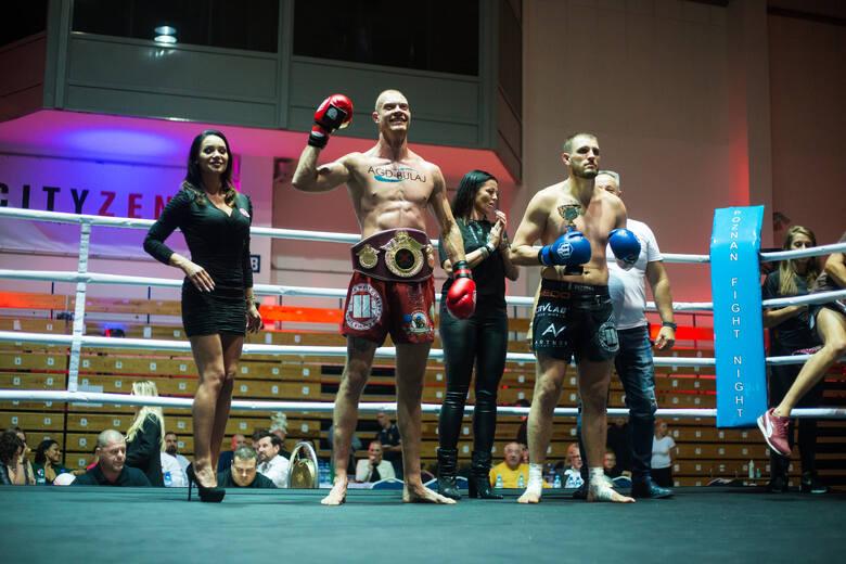 Adam Kosut w jedynej walce o pas w K1 do 91 kg (3 rundy po 3 minuty) okazał się lepszy od Łukasza Radosza. Zobaczcie zdjęcia z Extra Gala Poznań Fight