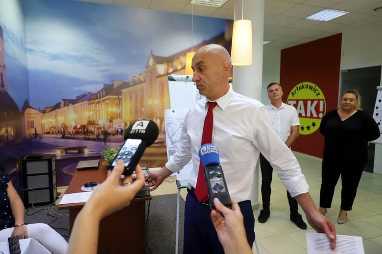 Tadeusz Arłukowicz przedstawia kolejne punkty swojego programu wyborczego