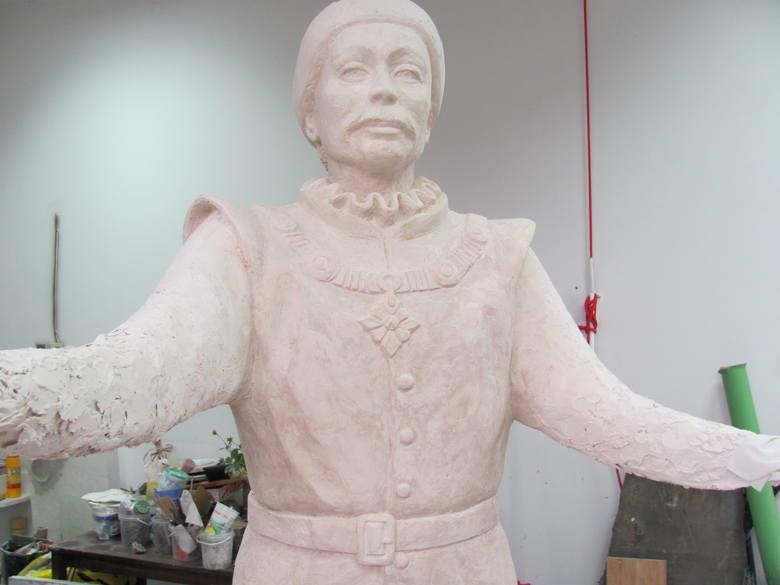 Na razie możemy podziwiać model rzeźby. Wiosną stanie ona przy ratuszu.