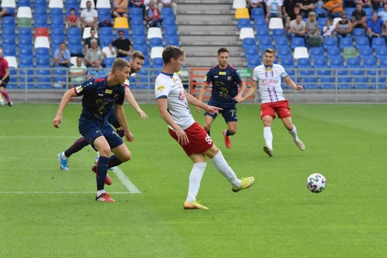 Przyjrzeliśmy się bliżej postawie Odry Opole w przegranym meczu 32. kolejki Fortuna 1 Ligi z Podbeskidziem Bielsko-Biała. Zobaczcie, jakie rzeczy najmocniej