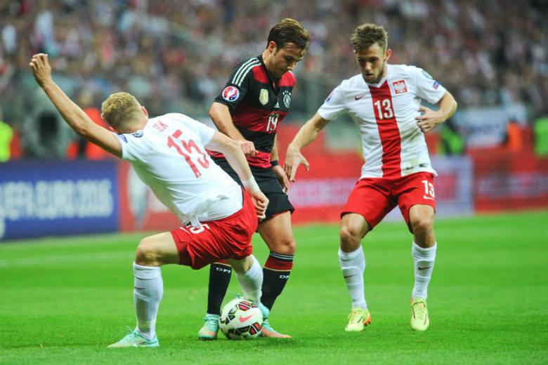 Maciej Rybus (z prawej) najpewniej zagra na lewej obronie. To nie będzie dla niego całkiem nowe doświadczenie, bo grywa tam już w klubie