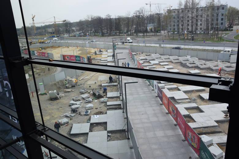 Budowa placu przed Galerią Libero w Katowicach