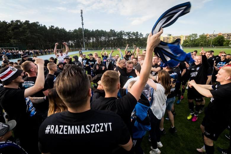 W meczu 26. kolejki klasy okręgowej Zawisza Bydgoszcz pokonał Cyklona Kończewice 2:1 i zapewnił sobie przepustkę do IV ligi. To trzeci z rzędu awans