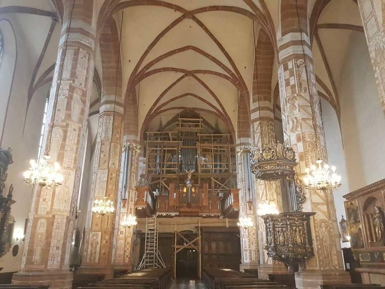 Zakończono konserwację zabytkowych organów Hansa Hummla, które znajdują się w Bazylice Mniejszej pw. św. Andrzeja Apostoła w Olkuszu. Poświęcenie instrumentu