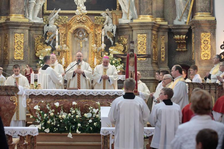 Wzrosła w Polsce liczba uczestniczących w niedzielnych mszach świętych.W 2017 roku było tzw. dominicantes 38,3%, zaś w 2016 - 36,7%. W diecezji opolskiej