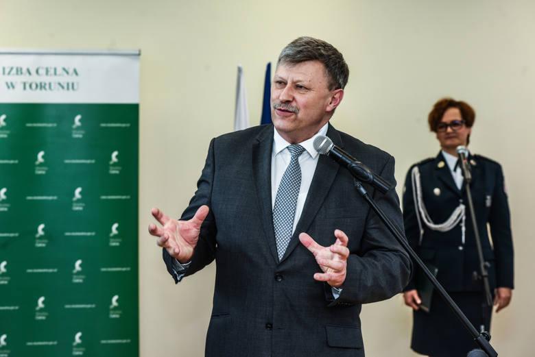 W uroczystym otwarciu budynku Urzędu Celnego uczestniczyli Marian Banaś, wiceminister finansów, Anna Mackiewicz, zastępca prezydenta Bydgoszczy i Józef Ramlau wicewojewoda.