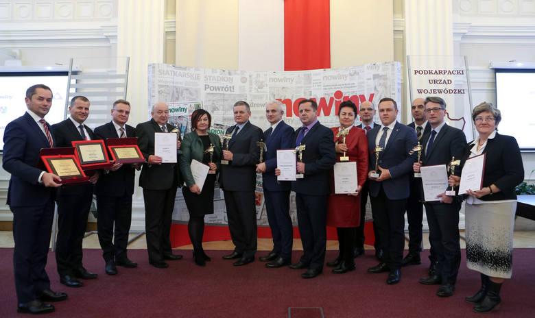 Uroczysta gala z udziałem laureatów rankingu Złota Setka Gmin Podkarpacia 2016 odbyła się dziś w sali kolumnowej Podkarpackiego Urzędu Wojewódzkiego