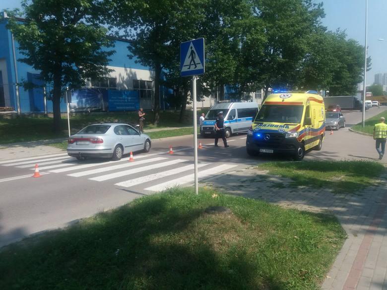 Przed chwilą doszło do wypadku na ul. Przemysłowej, na przejściu dla pieszych koło Orlenu - napisał do nas Czytelnik. - Auto marki Seat Toledo potrąciło