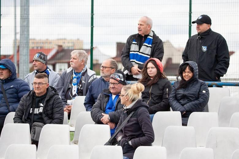 Niebiesko-czarni pokonali u siebie Pogoń Mogilno 4:0 (2:0) w meczu 10. kolejki IV ligi kujawsko-pomorskiej. Zawisza ma na koncie 13 punktów (4 wygrane,