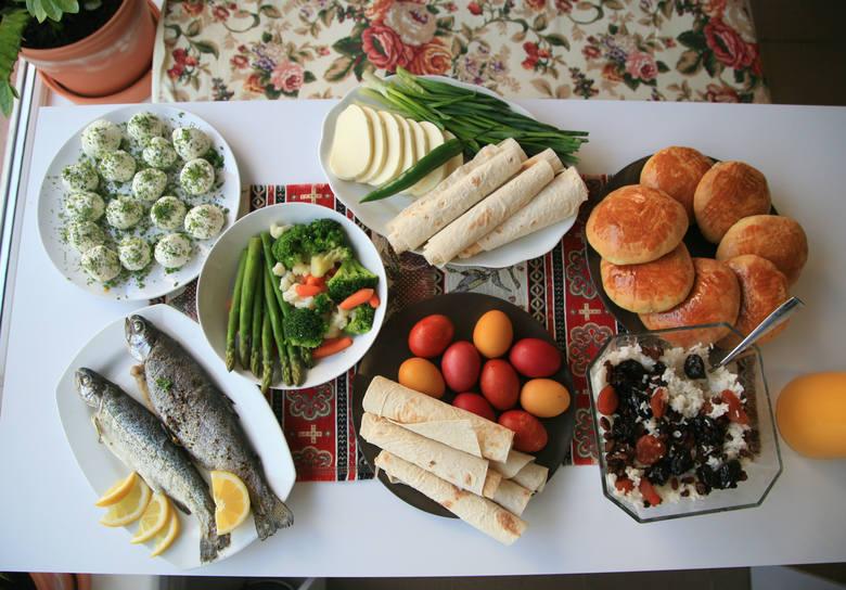 Wielkanoc: Gata, ryby, sery i dużo warzyw - o tylko kilka dań, które pojawiają się na stole wielkanocnym.
