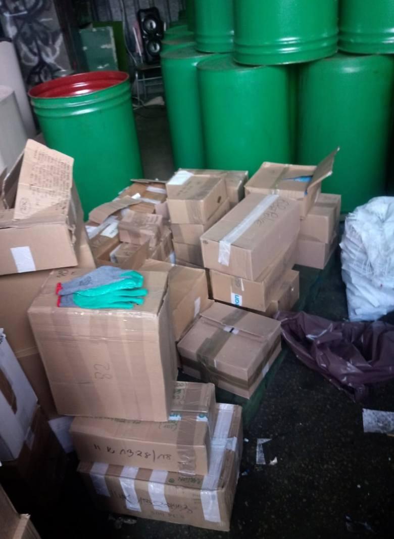 Na posesji radomskiego przedsiębiorcy policjanci znaleźli kradziony sprzęt o wartości 20 milionów złotych.