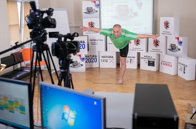Już siódmy tydzień odbywają się lekcje w ramach Kujawsko-Pomorskiej Szkoły Internetowej. Codziennie emitowanych jest nawet dwadzieścia lekcji, które