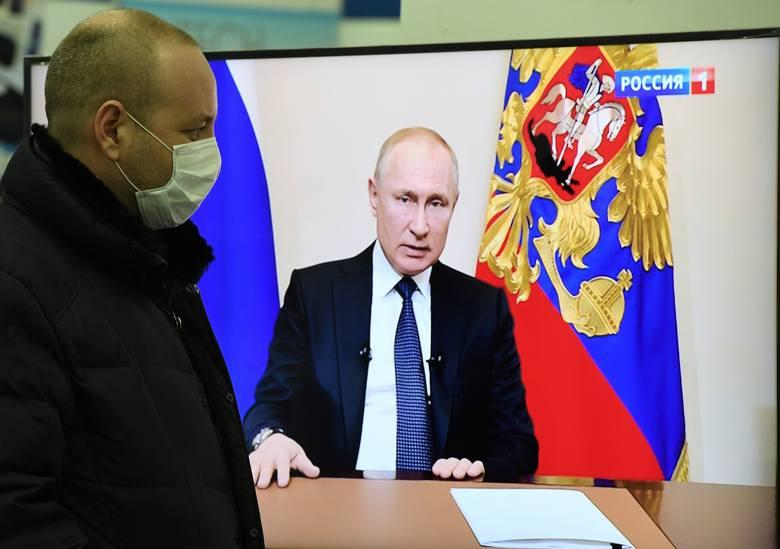 Koronawirus w Rosji: Referendum konstytucyjne przełożone, Władimir Putin ogłasza tydzień wolny od pracy