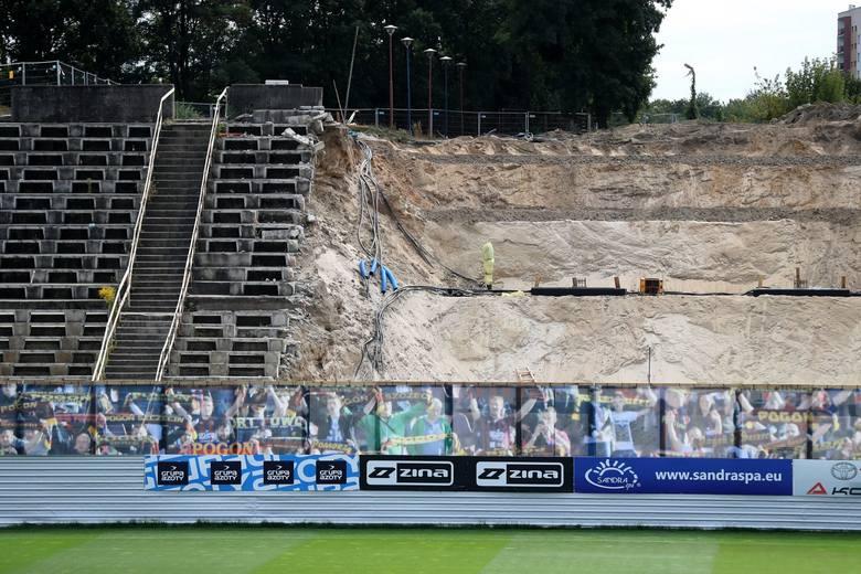 Sprawdziliśmy w weekend jak wygląda obecnie stadion Pogoni w Szczecinie. Zobaczcie zdjęcia.