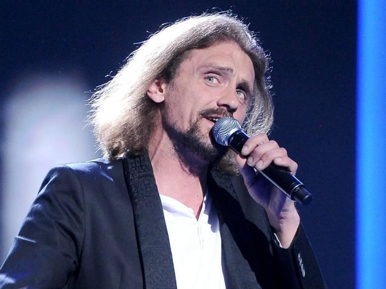 Gienek Loska karierę muzyczną zaczynał na ulicy i do dziś nie gardzi ulicznymi występami.