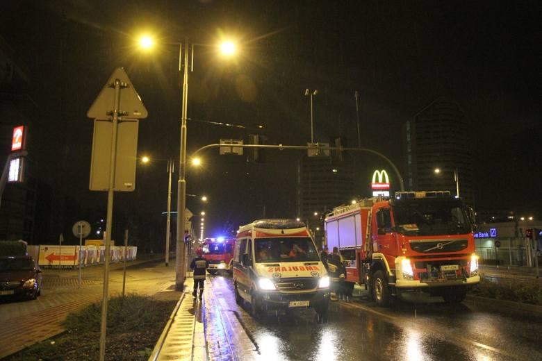 Wrocław: Desperat na dźwigu przy placu Grunwaldzkim. Akcja służb (ZDJĘCIA)