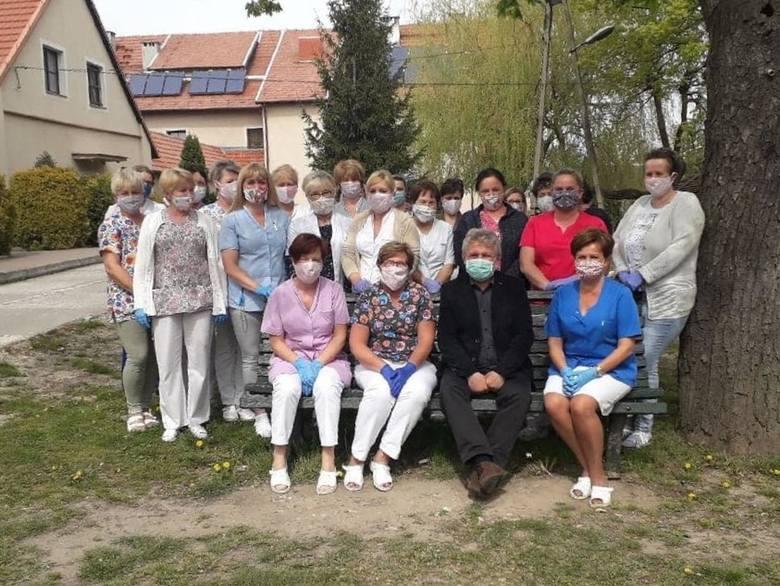 Pracownicy i podopieczni domu pomocy społecznej w Więckowicach w swoim zamkniętym ośrodku czują się najbezpieczniej