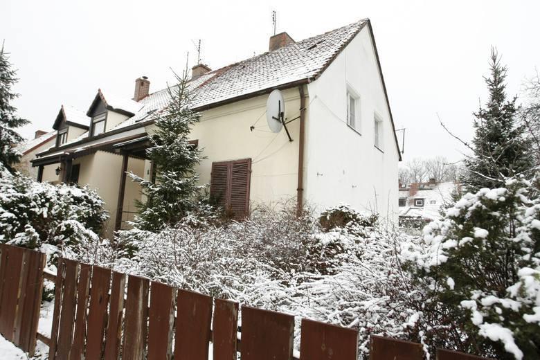 Tomasz N wyłudził m.in. dom przy ul. Żeglarskiej. 72-latek sprzedał go nieznajomemu. Pieniędzy nie dostał