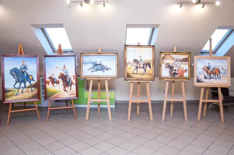 Bardzo ciekawa wystawa naszych artystów w Lipniku