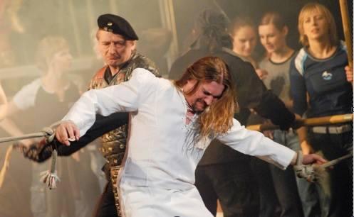 """Maciej Balcar od 18 lat jest Jezusem w musicalu. Dzisiaj premiera płyty """"Znaki"""" [WIDEO]"""