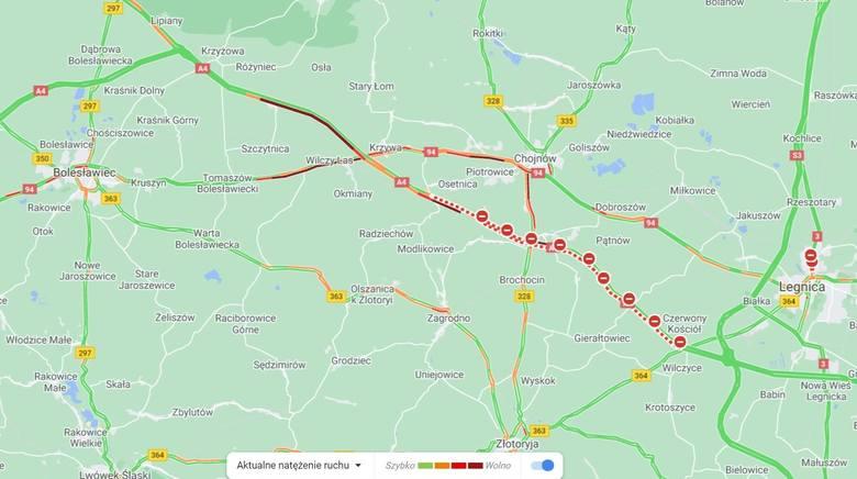 Karambol na autostradzie A4. W sześciu wypadkach zderzyło się 9 ciężarówek, 2 busy i samochody osobowe. Trwa sprzątanie [ZDJĘCIA, FILMY]