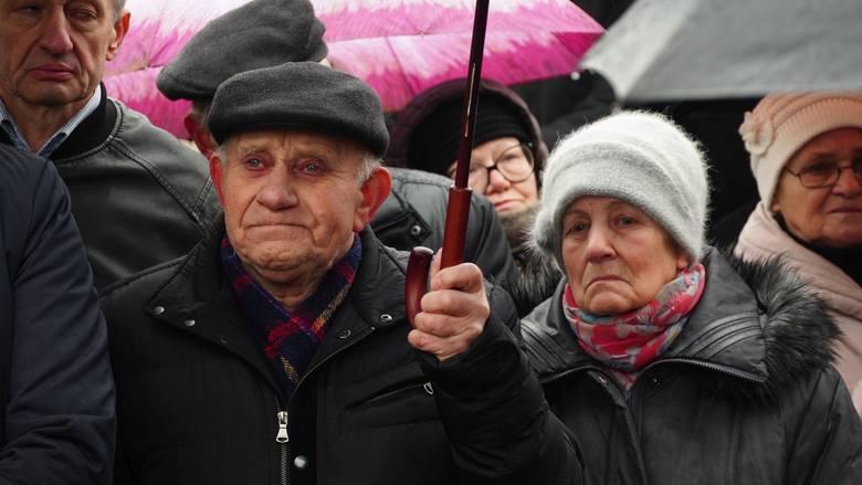 """Bielsk Podlaski modlił się za ofiary oddziału Romualda Rajsa ps. """"Bury"""". """"Dzisiaj wspominamy męczenników zamordowanych za wiarę"""""""