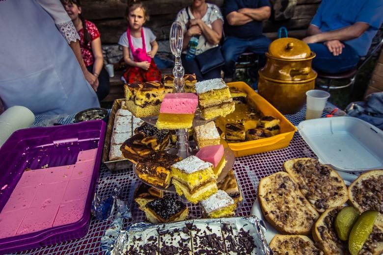 III Świętokrzyski Festiwal Smaków w Tokarni. Bawią się całe rodziny [ZDJĘCIA]