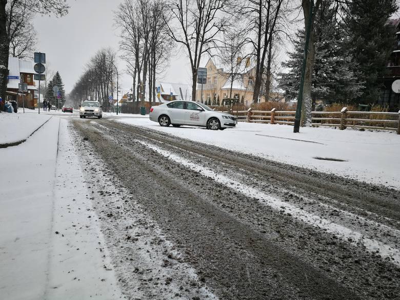 Podhale. Zima w natarciu. Pogarszają się warunki na drogach [ZDJĘCIA]