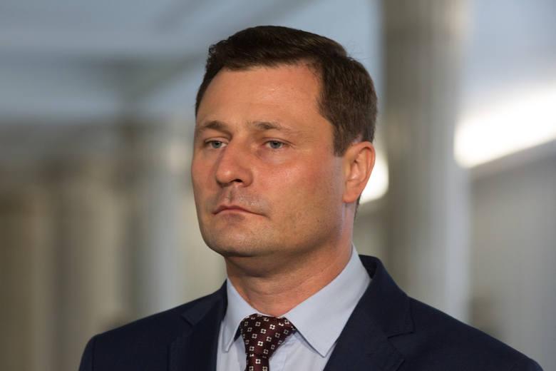 - Jarosław Kaczyński rozpętał chocholi taniec w obawie przed niekorzystnymi dla PiS skutkami przełożenia wyborów. Ale racjonalnie nie da się ich przeprowadzić w maju - mówi Krzysztof Paszyk, poseł PSL z Wielkopolski.