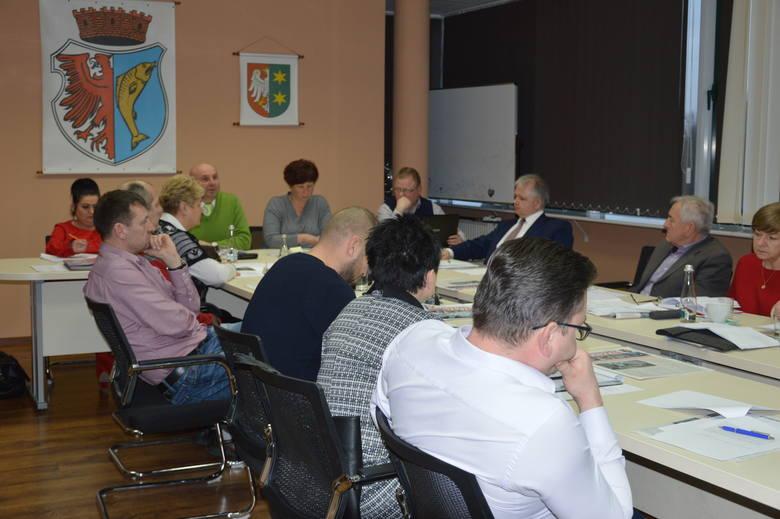 Kostrzyn nad Odrą: Komisja ustaliła, że skieruje wniosek do wojewody z prośbą o uzasadnienie decyzji w sprawie zmiany nazwy szkoły