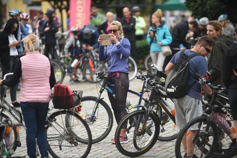 W sobotę 6 lipca odbyła się kolejna Rowerowa Masa Krytyczna. Tym razem, w wakacyjnej edycji, uczestnicy zaczęli na Rynku Nowomiejskim i skończyli na