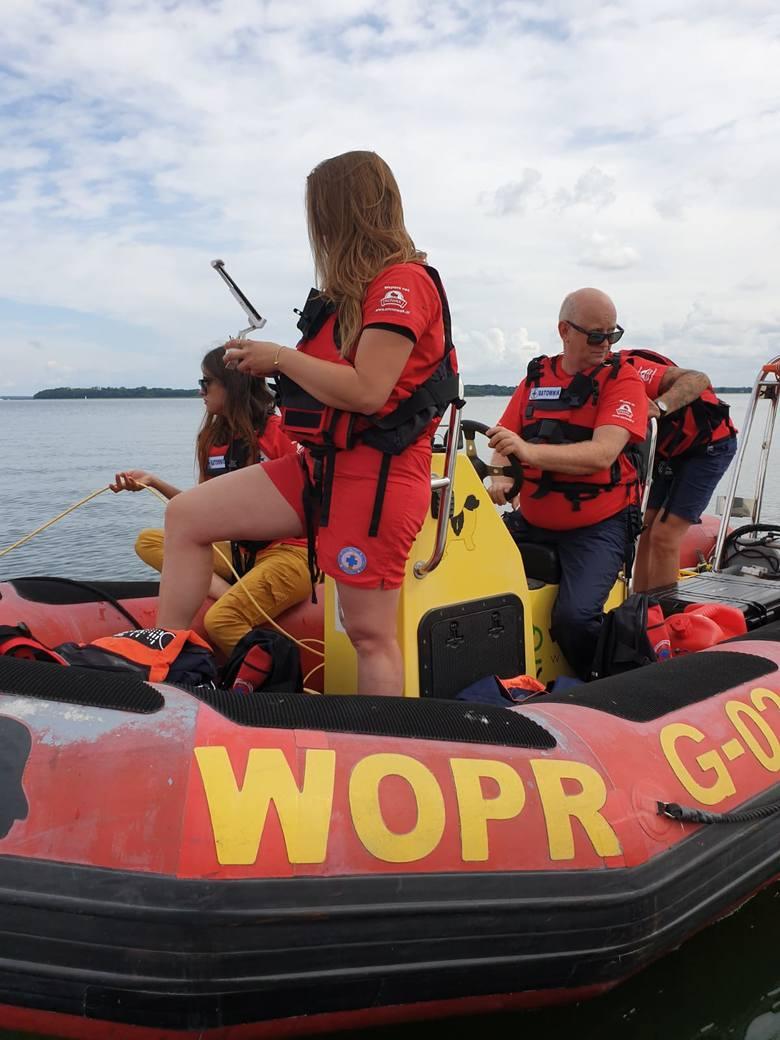 Akcja ratowników z gdyńskiego WOPR na jeziorze Kisajno - poszukiwania Piotra Woźniaka-Staraka