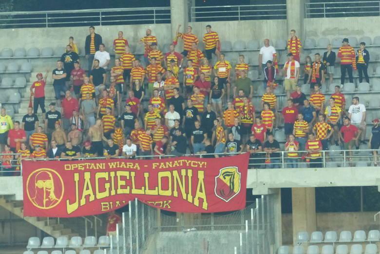 Kibice Jagiellonii na meczu w Kielcach