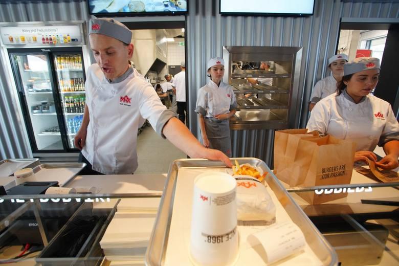 Lokale tej sieci wywodzą się ze Szwecji. Firma MAX powstała w 1968 roku i aż do 2011 roku swoje restauracje miała tylko w tym kraju. Przejdź dalej -