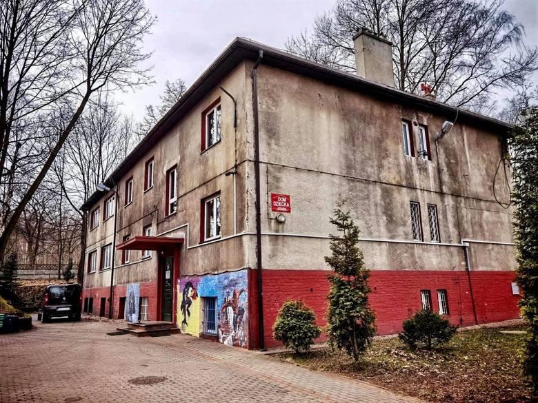 W Domu Dziecka przy ul. Żeromskiego w Mysłowicach miało dochodzić do terroru. Pani dyrektor i pani psycholog miały znęcać się psychicznie nad dziećm