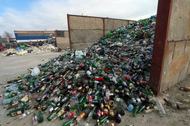 O tym, czy śmieci będą posegregowane zadecydują firmy odbierające odpady. Przekażą też informację o tym, kto nie segreguje do urzędu miasta. A urzędnicy