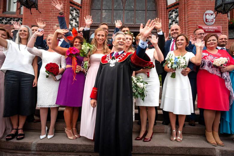 Największy zbiorowy ślub w Polsce został udzielony przez Roberta Biedronia