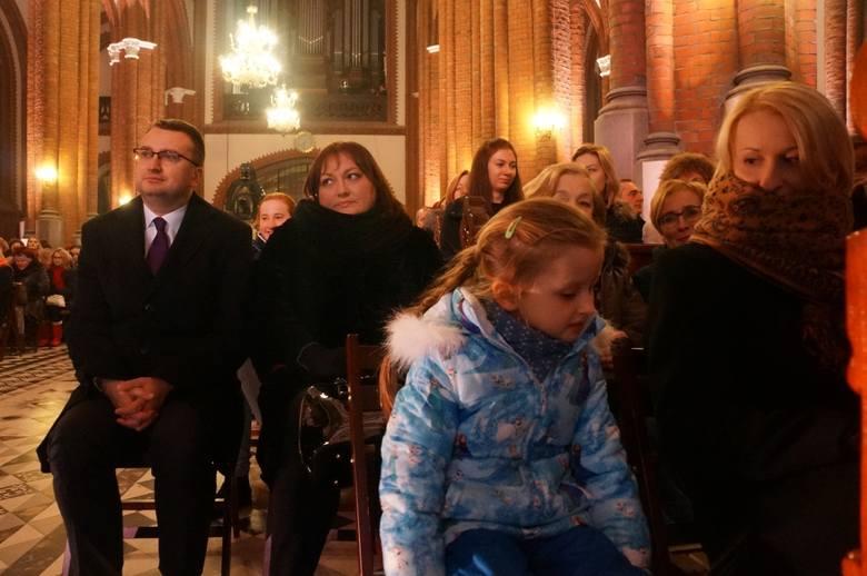 Boże Narodzenie. Gwiazdy kolędowały w naszej katedrze (zdjęcia, wideo)