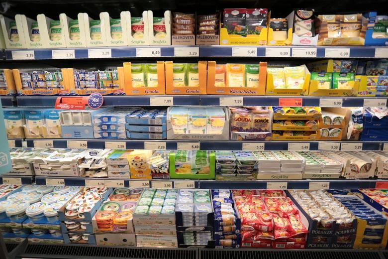 Jeśli zostawiacie zakupy spożywcze na ostatnią chwilę, sprawdźcie wcześniej godziny otwarcia sklepów w Sylwestra 31 grudnia. Zobaczcie, jak będą czynne