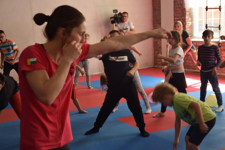 """Pokazowy trening boksu pod hasłem """"Dbam o zdrowie. Trenuję i zwyciężam"""" - Zielona Góra - 30 maja 2019"""
