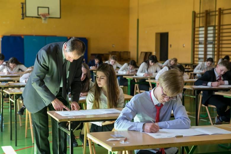 Zaledwie 49 proc. punktów możliwych do zdobycia uzyskiwali średnio gimnazjaliści z Kujawsko-Pomorskiego na egzaminie gimnazjalnym  z matematyki. Najlepiej