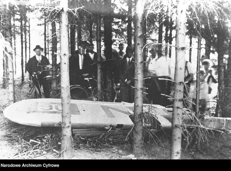 88 lat temu w katastrofie lotniczej zginęli Franciszek Żwirko i  Stanisław Wigura. Zobacz kolejne zdjęcia. Przesuwaj zdjęcia w prawo - naciśnij strzałkę