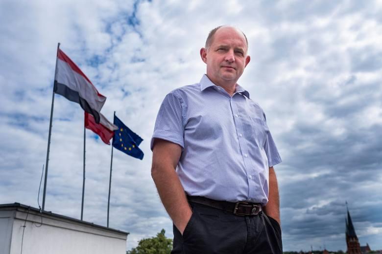 Piotr Całbecki już czwartą kadencję jest marszałkiem województwa kujawsko-pomorskiego. W ostatnich wyborach  dostał 68,5 tys. głosów, co było jednym
