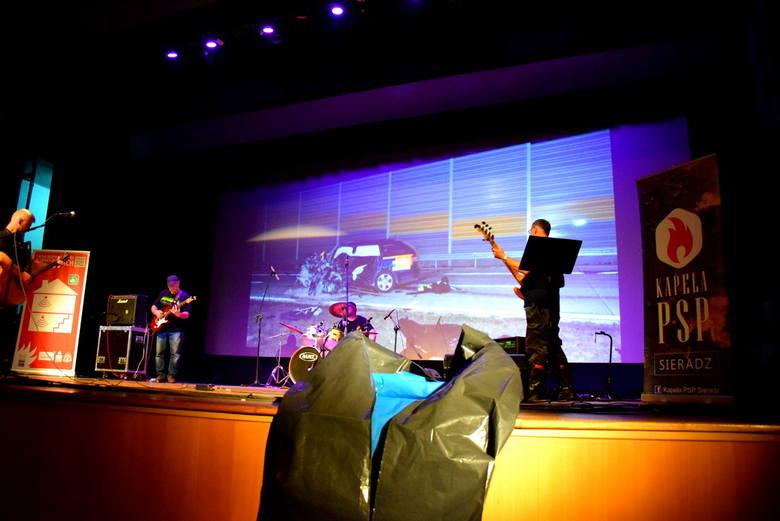 Drugi koncert strażaków dla uczniów skierniewickich szkół [ZDJĘCIA, FILM]