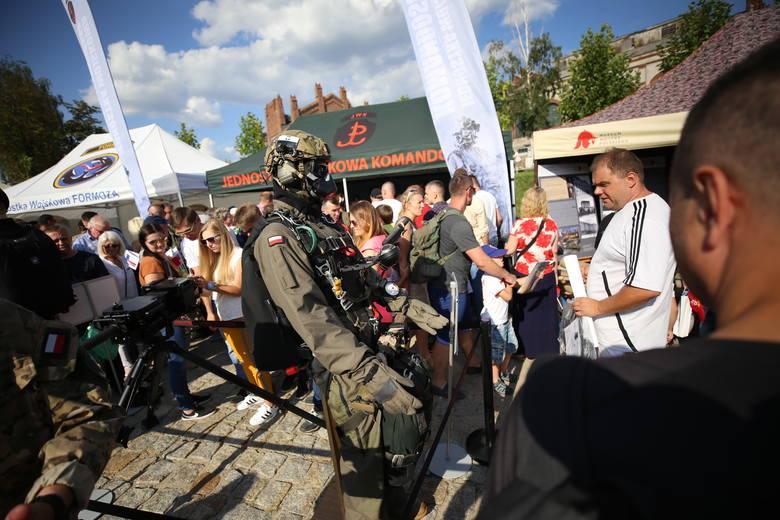 Piknik wojskowy odbył się po defiladzie w Katowicach