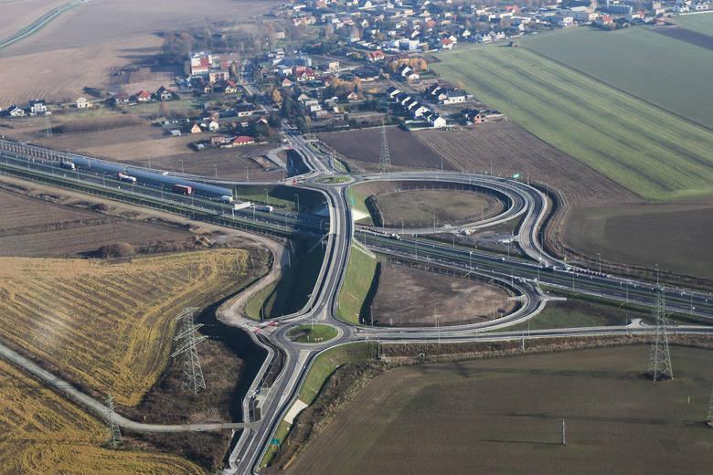 To już jutro! Po otwarciu kolejnych trzech odcinków drogi ekspresowej S5 między Poznaniem i Wrocławiem, kierowcy będą mogli, zgodnie z przepisami, przejechać