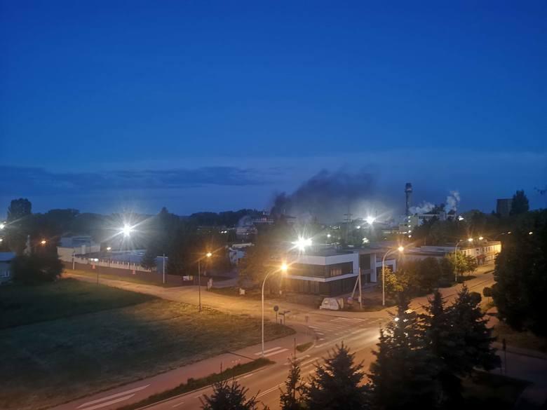 - Coś się pali na terenie fabryki przy ul. Ofiar Katynia w Przemyślu - poinformował nas internauta. Jak udało nam się dowiedzieć, pali  się suszarnia