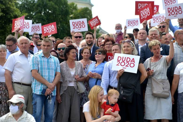 W sobotę europoseł PiS Patryk Jaki spotkał się z mieszkańcami Radomia. Na placu Konstytucji 3 Maja zachęcał do głosowania na Andrzeja Dudę.