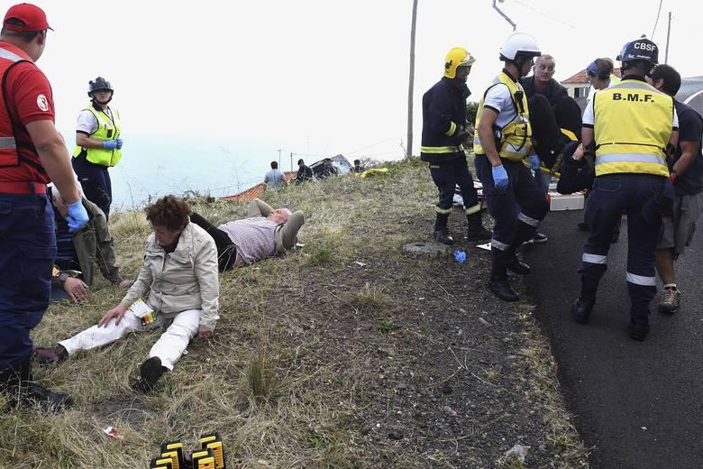 Tragiczny wypadek autobusu na Maderze [ZDJĘCIA] Zginęło 29 turystów z Niemiec, 27 zostało rannych [WIDEO]
