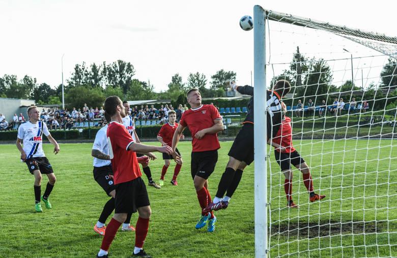 Zawisza ma za sobą już mecz 1. rundy okręgowego Pucharu Polski.  Bydgoszczanie przegrali po dogrywce z Gryfem Sicienko.